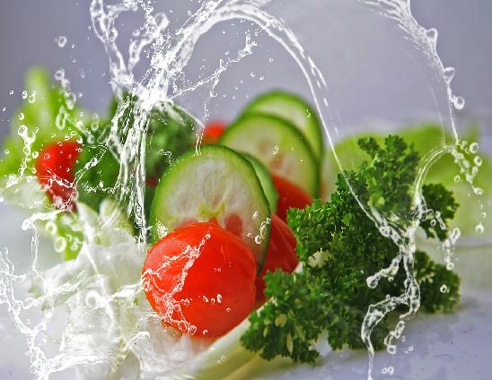 Com fer servir el lleixiu per la desinfecció de vegetals a la restauració